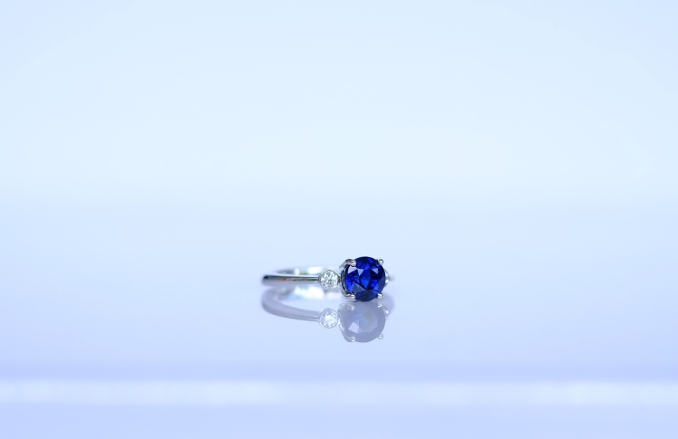 round sapphire ring singapore
